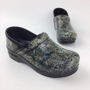 Dansko 38 Clog Shoe Leather Floral Butterfly Blue